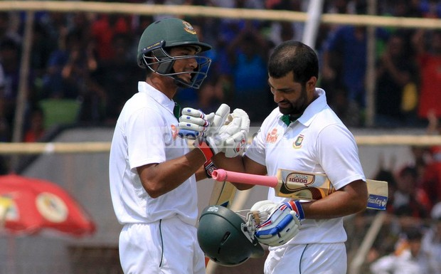 A world record second innings opening stand between Tamim Iqbal (206) and Imrul kayes (150) helped Bangladesh salvage a draw against Pakistan in the Khulna Test.